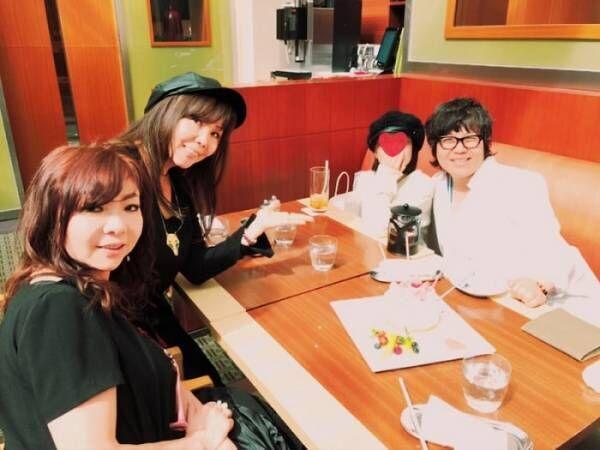 小川菜摘、青木さやかの誕生会ショットを公開「娘ちゃんも来てくれたーー」
