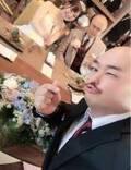 クロちゃん、後輩芸人の結婚式へ参列し3ショットを公開「結婚式の時だけ、奥さんも載せていいと言われた」