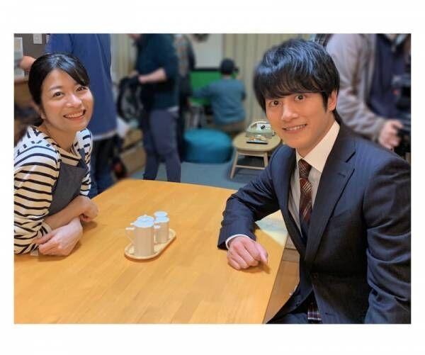 三倉茉奈、夫役の溝端淳平と2ショット「支えたいという気持ちが強くなりました」