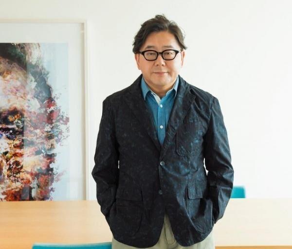 あきもと・やすし国民的アイドル「AKB」グループの総合プロデューサーとしても知られる。TVの企画構成、映画の企画・原作、CMやゲームの企画、マンガの原作など、多岐にわたり活躍中。2020年開催の東京オリンピック・パラリンピック競技大会組織委員会理事を務める。