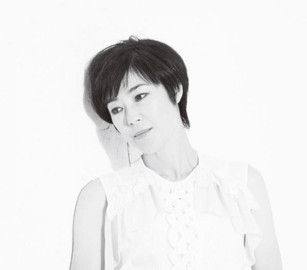 てらじま・しのぶ1972年12月28日生まれ、京都市出身。歌舞伎俳優の尾上菊五郎を父に、女優の富司純子を母に持つ。試験を受けて入団した文学座で活動の後、蜷川幸雄や久世光彦などの舞台で注目を集める。\'10年に『キャタピラー』でベルリン国際映画祭銀熊賞(最優秀女優賞)を受賞。