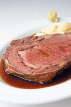 落ち込んでいるときに食べるのは「肉」 専門家が理由を解説