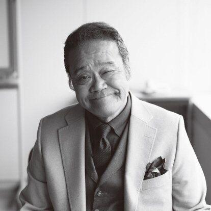 にしだ・としゆき'47年生まれ、福島県出身。明治大学を中退、'70年劇団青年座に入団し、初舞台を踏む。数々のドラマ、映画、舞台で活躍。最近ではドラマ『釣りバカ日誌新入社員 浜崎伝助』『民王』、映画『マエストロ!』『ラブ&ピース』などに出演。歌手としてもその歌声には定評が。
