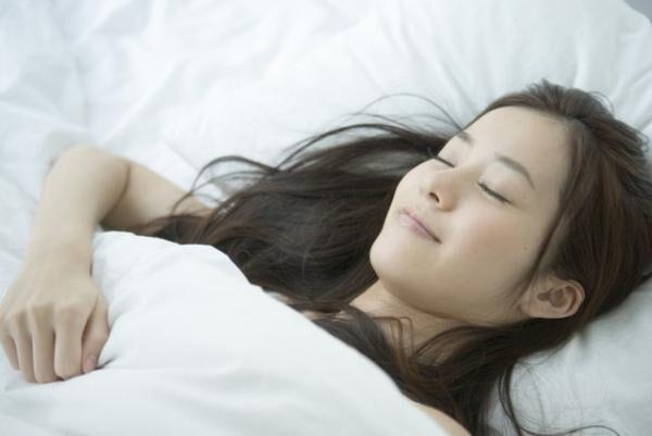 寝る子は痩せる!? 脂肪燃焼のための「成長ホルモン」を促す方法