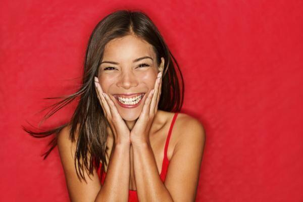 お腹を抱えて破顔一笑すれば、イライラやクヨクヨとは無縁の幸せライフが叶うかも!?