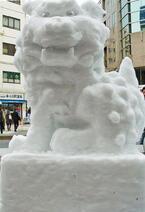 暖冬だけど大丈夫? 東京・神田で「雪だるまフェア」開催