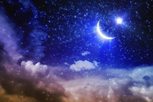 """感情を司る星・月に注目して、""""幸せな感情""""を日々キープすることを目指すのがKeikoさんの考え方。"""