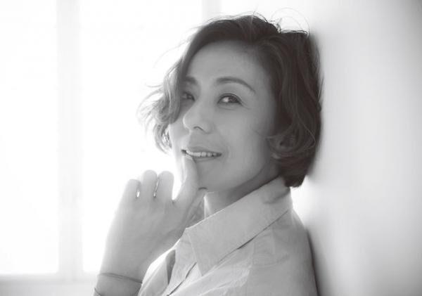 リカコ1966年3月30日生まれ、神奈川県出身。13歳でスカウトされ、モデルデビュー。ファッションアイコンとして同性からの支持を集める。17歳で女優、タレントに転身し、数々のドラマやバラエティ番組にも出演。プライベートでは、'94年に長男、'98年に次男を出産し、2児の母に。