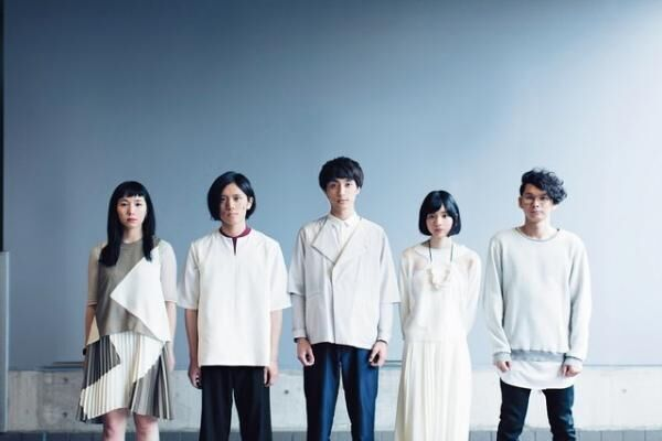 リリ・リミット右から、丸谷誠治(D)、志水美日(K)、牧野純平(V)、土器大洋(G)、黒瀬莉世(B)。山口県で結成され、一昨年から東京で活動中。自主制作CDが評価され、メジャーデビュー。