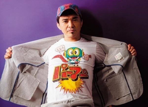 いしの・たっきゅう1989年に電気グルーヴを結成。1995年にソロアルバム『DOVE LOVES DUB』を発売し、DJ 活動を本格的にスタート。プロデューサー、リミキサーとしても活躍。