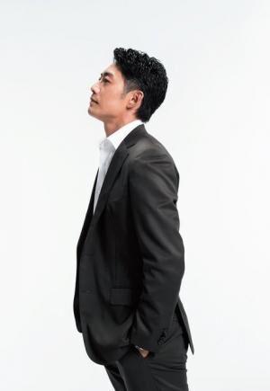 そりまち・たかし1973年、埼玉県生まれ。'97年のドラマ『ビーチボーイズ』でブレイク、『GTO』で高い評価を受ける。近作に映画『カノジョは嘘を愛しすぎてる』やドラマ『迷宮捜査』『捜査一課・澤村慶司』など。