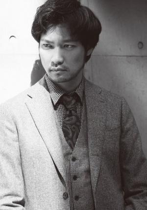 あおき・むねたか1980年生まれ、大阪府出身。'02年、映画で俳優デビュー。'07年にNHK朝の連続テレビ小説『ちりとてちん』に出演し、注目を集める。その後も大河ドラマや、映画『るろうに剣心』などに出演。現在、ドラマ『地味にスゴイ!校閲ガール・河野悦子』(日テレ系)に出演中。