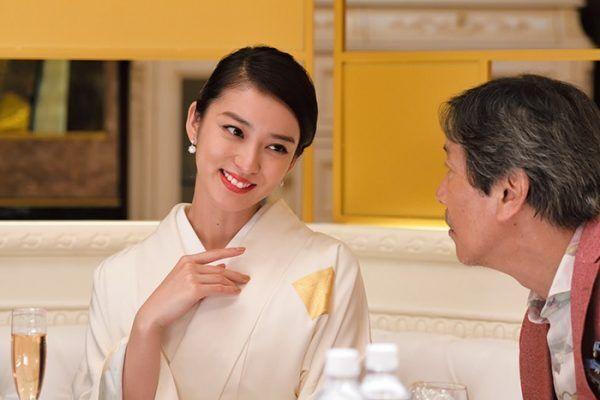 武井咲「誰にも渡したくない」『黒革の手帖』で悪女ぶりを披露!