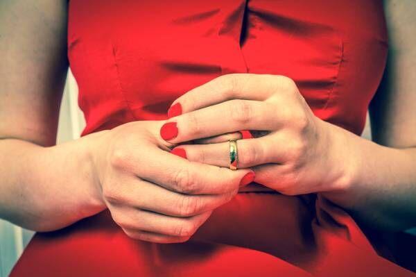 【恋にHに! お悩み相談】夫以外の男性に目がいくクセ、直りますか? |『クラブ佑雪』#13