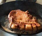 """""""ごちそう肉""""を作る! ポークソテーを「表面カリッ」にするコツ"""