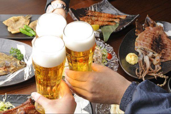 「乾杯!」でグラスを合わせるのはマナー違反⁉モテる女のマナー講座 vol.9