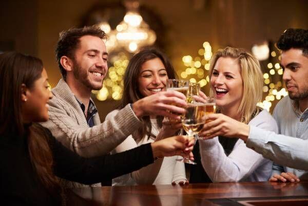 チャラいし、ウザいんだよ…飲み会で男が嫌う「女子の会話」2つ