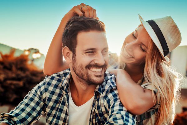 決め手がない時に…男に「付き合いたい」と思わせた女の行動4つ