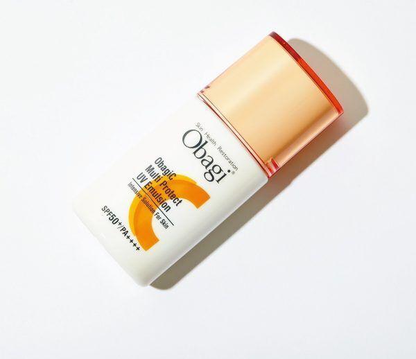 「肌色をワントーンアップ」プロが推す美容液感覚のUV乳液って?