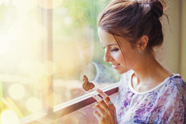 一緒にいて飽きない…男が惚れ直す「癒し系彼女」の特徴3つ