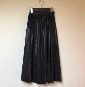 使える! 黒フレアスカート…大人ガーリーに着こなす3コーデ | デイリーアイテム着回し3Days #65