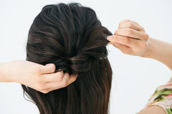 2STEPで簡単! 男ウケ抜群の「夏の大人まとめ髪」