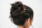 ゆるふわなのに崩れない…! 実は簡単「夏の大人まとめ髪」の作り方