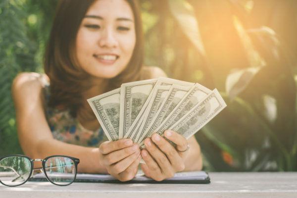 紙に書いて毎日…「貯金1,000万女子」が実践する4つの習慣