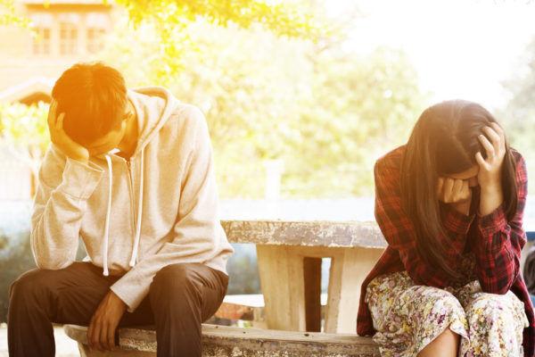 信じてたのに…男が「長年付き合った彼女」と別れるキッカケ3選