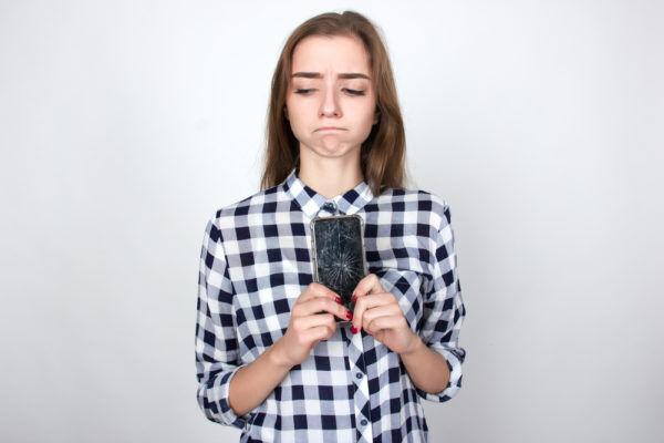 ズルい男たち…不倫女が「捨てられる瞬間」のLINE覗き見3つ