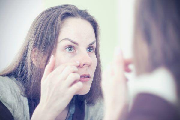 不吉なサインが出ちゃってる…鏡でいますぐ確認したい顔診断
