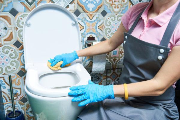 お金が欲しい人必見!「金運アップする」トイレ掃除の方法4つ