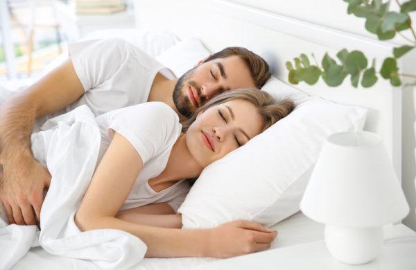 アソコの毛は勘弁…男がベッドで幻滅する「女子のムダ毛事情」3選
