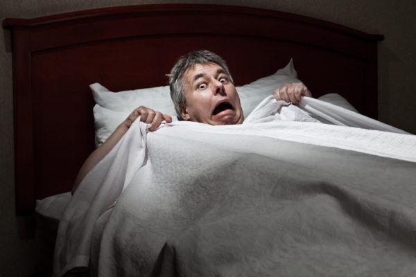 電気つけっぱHで萎え…男が衝撃を受けた「女の体」の特徴3選