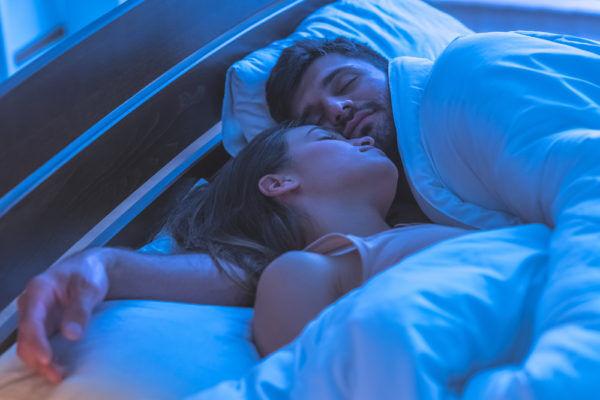 する気はなかったのに…男を欲情させた「彼女の寝る前行動」4選