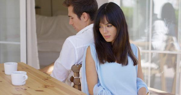 いい加減にしろよ…男が心底ウンザリする「彼女の嫉妬行動」4つ