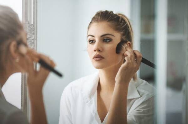 スッピンは乾燥する!? 女医が教える「うるおい美肌を保つ」ファンデ活用術