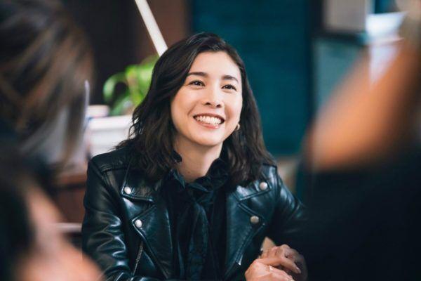 竹内結子、水川あさみ…豪華女優陣の「憧れオフィスファッション」