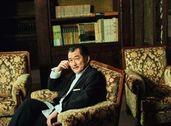 吉田鋼太郎の結婚、離婚…「人より早く人生経験を積みたくて…」