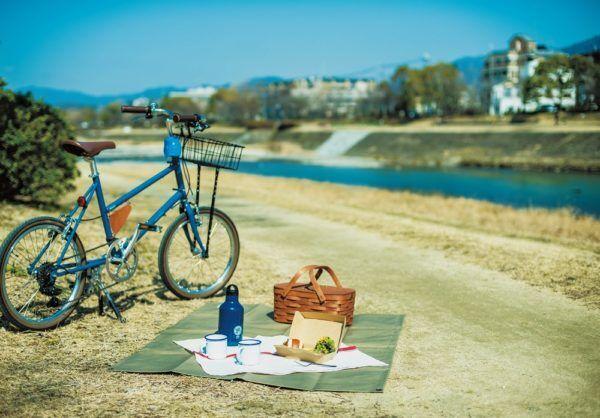 【春・京都】手ぶらでOK! 鴨川ピクニックで運気をチャージ