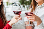 アソコをペロッ…男が引いた女子の「お酒の飲み方」4選