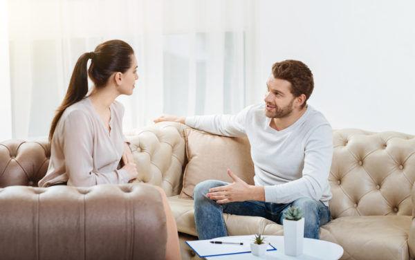 評価ガタ落ち…男が警戒する「女子の恋愛アドバイス」4つ