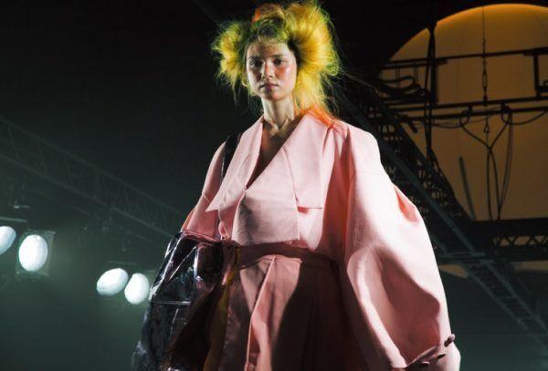 日本初! 資生堂トップヘアメイク、計良宏文が公立美術館で展覧会