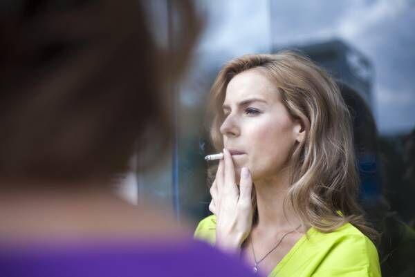 アラサー女子が一番バレたくないのは自分のにおい? イマドキ喫煙女子のにおい対策