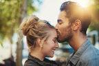 うお座彼にはイチャイチャが有効!?…12星座別「効果的な恋愛テクニック」