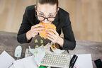 食べ方汚っ… 女性が「清潔感がない」と感じる女友達4選