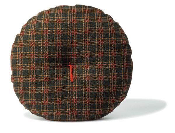 """ベレー帽みたいだけど…""""年末に新しくしたい""""雑貨5選"""