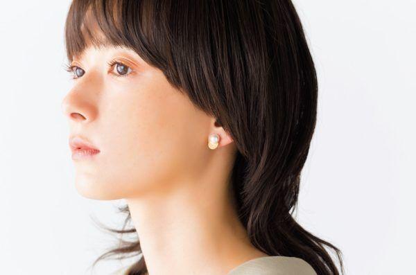"""カジュアルからドレスまで…個性派""""パール""""でコーデを格上げ!"""