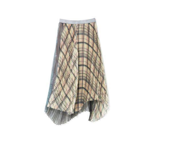 適度な透け感がイイ! 冬でも着たい「プリーツスカート」