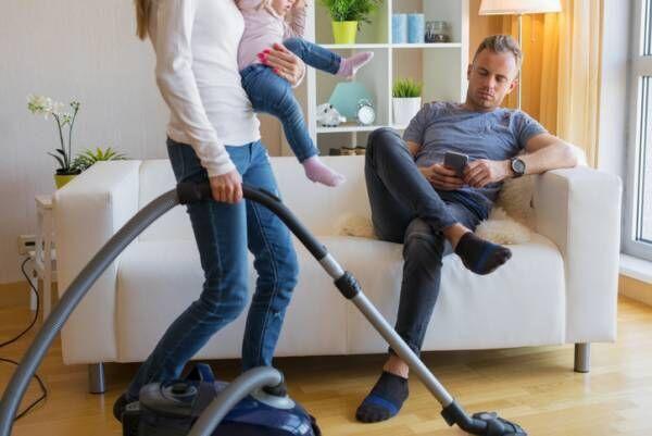 話したいのに!…妻をモヤつかせる「夫の問題行動」3つ